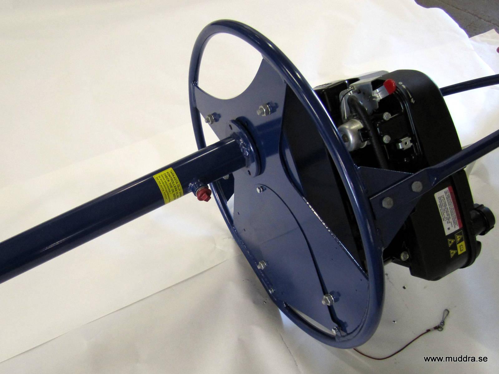 Tänk på att pumpen ska ligga såhär när den inte används för att undvika att olja rinner in i motorn