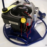 Motorn är en Briggs & Stratton 850 professional 5 hp.