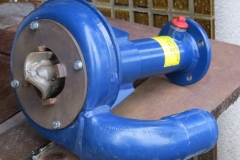 Denna korta axel använder vi vid hydrauldrift då även hydraulmotorn är under vatten.