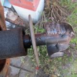 Nytt hårdsvetsat pumphjul och bakom det en slitplatta
